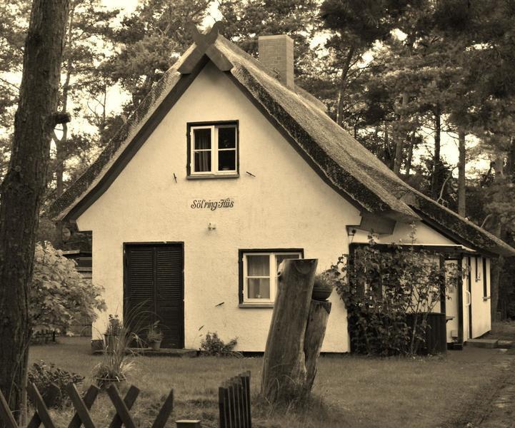 sch nes altes haus in dierhagen strand architektur brissischr g. Black Bedroom Furniture Sets. Home Design Ideas